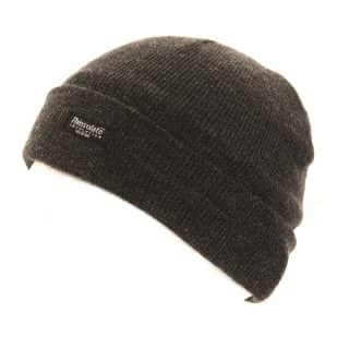 Thinsulate childrens ski hat in three seperate colour schemes