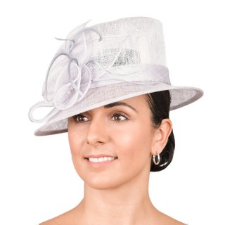 Wholesale short brim fascinator sinamay hat with loops and feather
